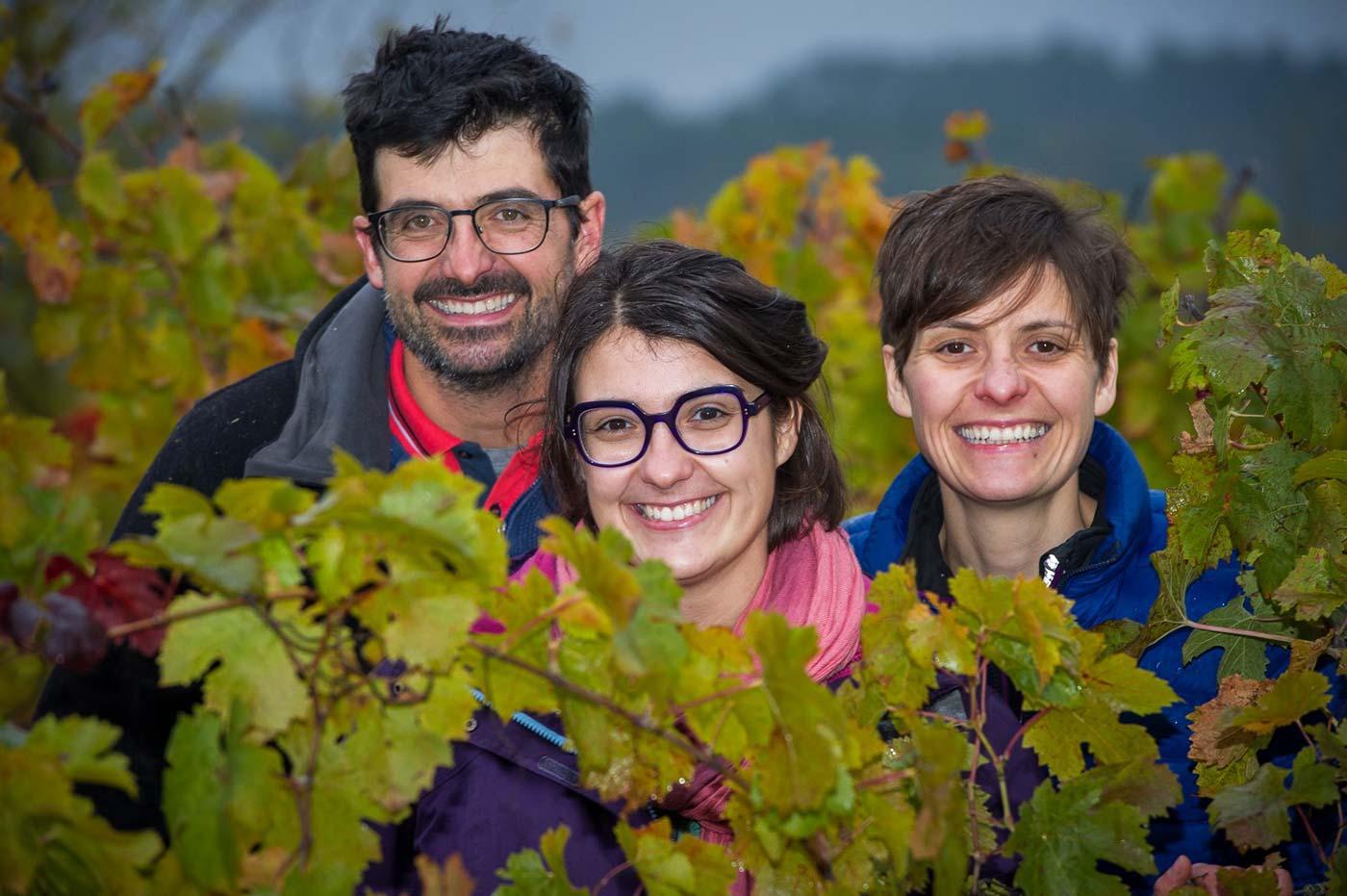 Portait de la famille Caslot dans les vignes en automne